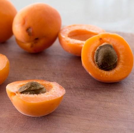 Apricot Kernel Carrier Oil 3