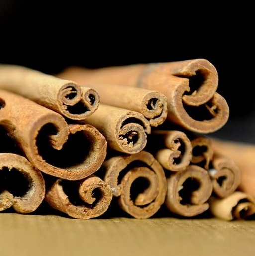 Cinnamon Bark Essential Oil (Medagascar) 2
